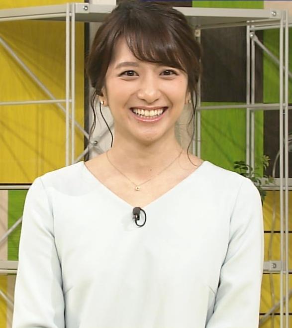 笹崎里菜アナ 乳のふくらみキャプ・エロ画像8