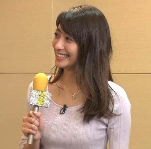 笹崎里菜 乳のふくらみキャプ画像(エロ・アイコラ画像)