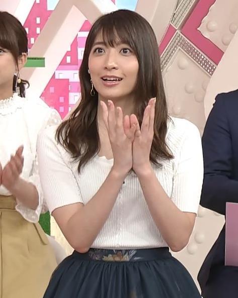 笹崎里菜アナ 白いニットのおっぱい!キャプ・エロ画像6