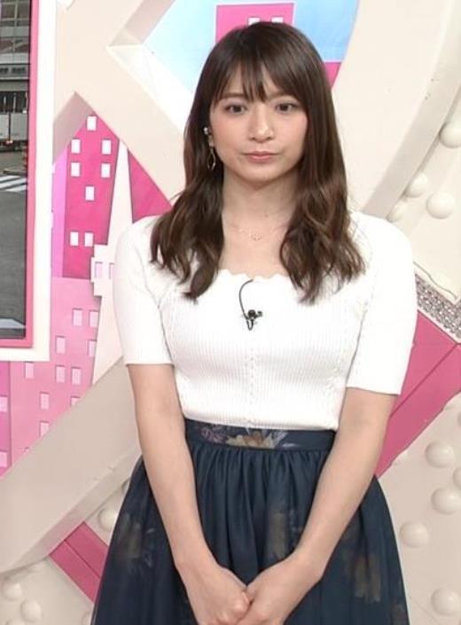 笹崎里菜 白いニットのおっぱい!キャプ画像(エロ・アイコラ画像)