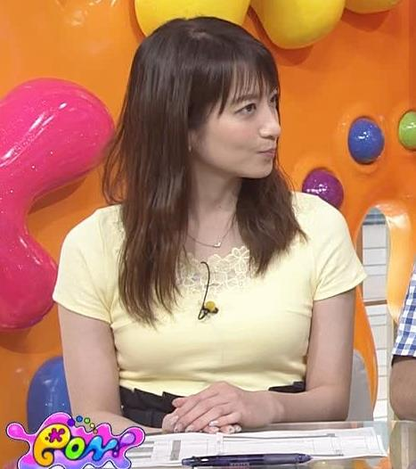 笹崎里菜アナ パツパツのTシャツでお胸が大変なことにキャプ・エロ画像3