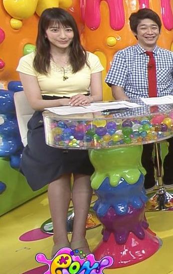 笹崎里菜アナ パツパツのTシャツでお胸が大変なことにキャプ・エロ画像5