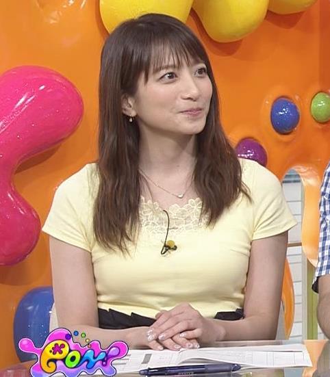 笹崎里菜アナ パツパツのTシャツでお胸が大変なことにキャプ・エロ画像6
