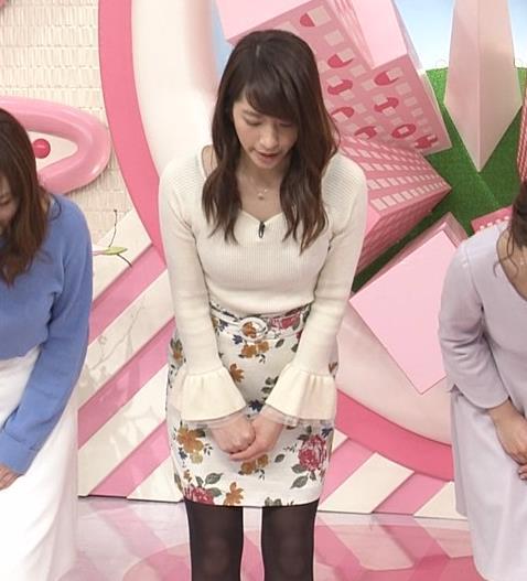 笹崎里菜アナ ニット乳&黒ストッキングキャプ・エロ画像