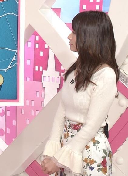 笹崎里菜アナ ニット乳&黒ストッキングキャプ・エロ画像3