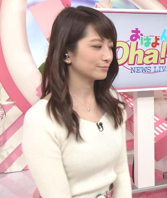 笹崎里菜アナ ニット乳&黒ストッキングキャプ・エロ画像6