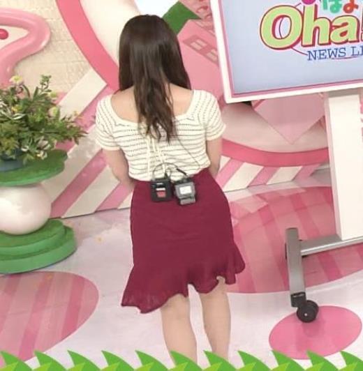 笹崎里菜 薄着になってさらにセクシーキャプ画像(エロ・アイコラ画像)