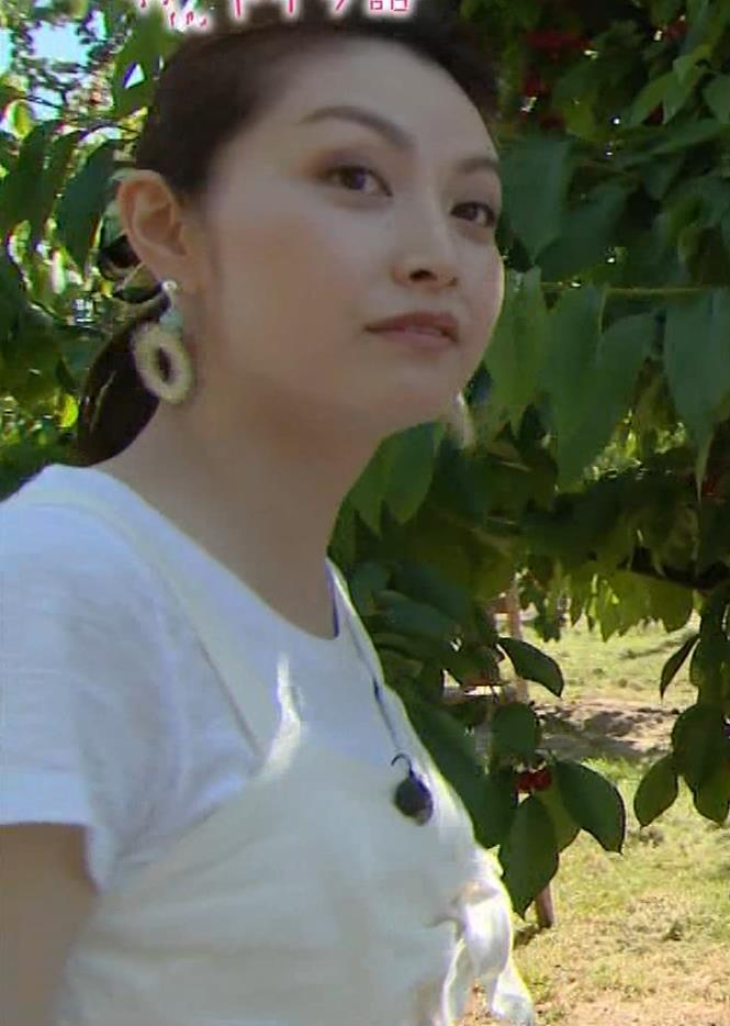 佐藤めぐみ 美人女優の微乳横乳キャプ・エロ画像10