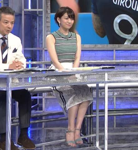 佐藤美希 体のラインが出る柄のノースリーブキャプ・エロ画像5