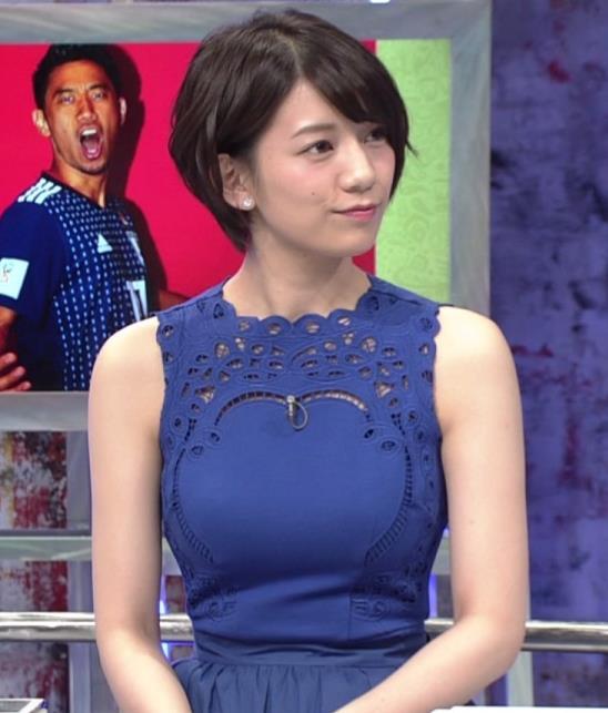 佐藤美希 ワールドカップ日本戦中継のワンピースがエロ過ぎキャプ・エロ画像6