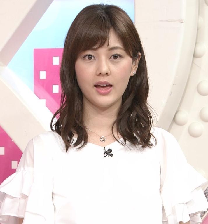 佐藤梨那アナ タイトなスカートできれいな脚のラインキャプ・エロ画像2