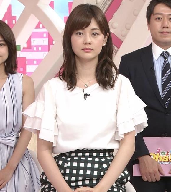 佐藤梨那アナ タイトなスカートできれいな脚のラインキャプ・エロ画像5
