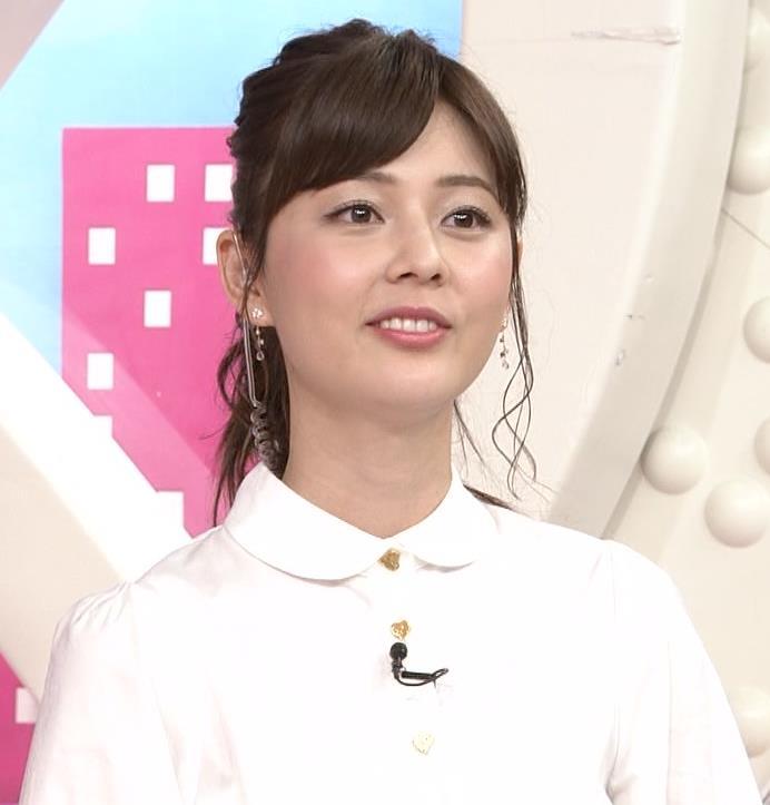 佐藤梨那アナ スカート美脚キャプ・エロ画像4