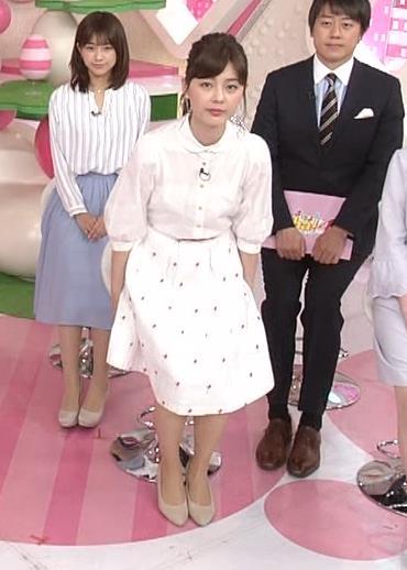 佐藤梨那アナ スカート美脚キャプ・エロ画像6
