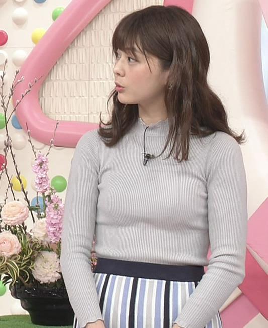 佐藤梨那アナ エロいピチピチニットキャプ・エロ画像
