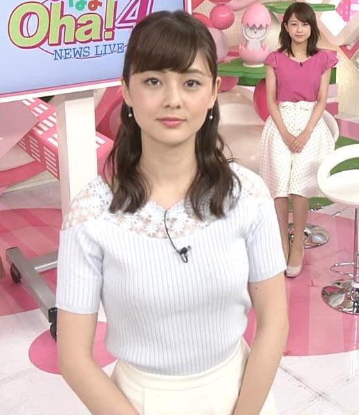 佐藤梨那アナ 肩が透けたニットの乳キャプ・エロ画像4