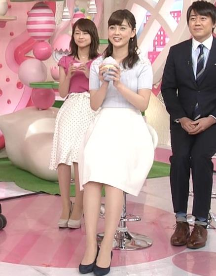 佐藤梨那アナ 肩が透けたニットの乳キャプ・エロ画像6