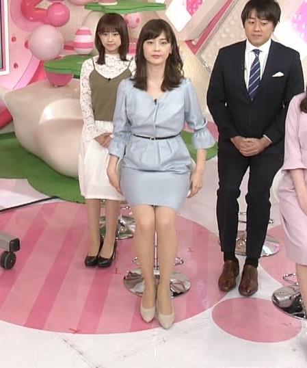 佐藤梨那アナ タイトスカート美脚がエロいキャプ・エロ画像3