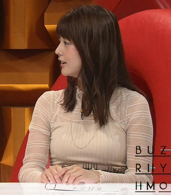 佐藤梨那アナ 横から見るとけっこう乳がデカいキャプ・エロ画像3