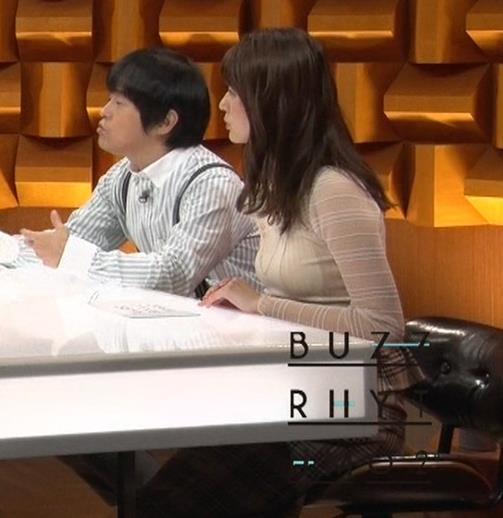 佐藤梨那アナ 横から見るとけっこう乳がデカいキャプ・エロ画像4
