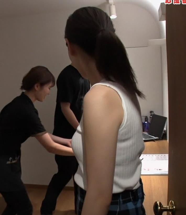 佐藤梨那アナ エロ過ぎノースリーブニットキャプ・エロ画像12