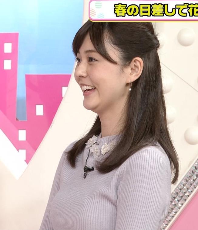 佐藤梨那アナ 日テレ若手美人アナのニットおっぱいキャプキャプ・エロ画像12