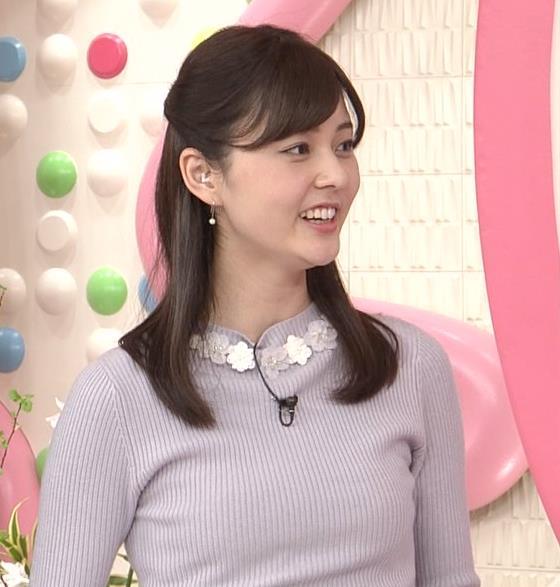 佐藤梨那アナ 日テレ若手美人アナのニットおっぱいキャプキャプ・エロ画像15