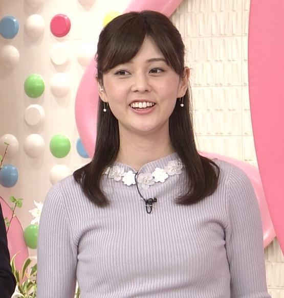 佐藤梨那アナ 日テレ若手美人アナのニットおっぱいキャプキャプ・エロ画像16