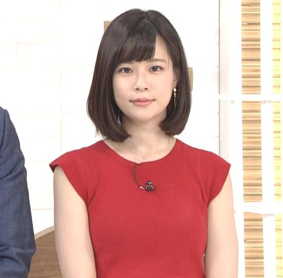佐藤唯アナ ぴったりノースリーブのエロい横乳キャプ・エロ画像4