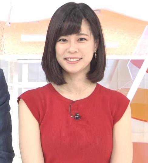 佐藤唯アナ ぴったりノースリーブのエロい横乳キャプ・エロ画像5