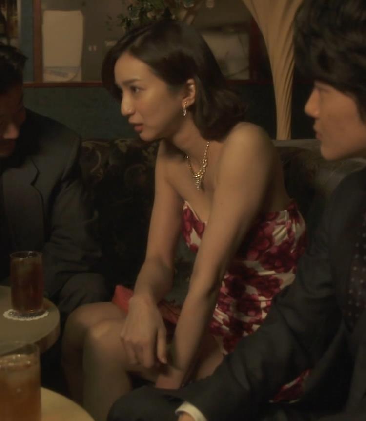 芹那 キャバ嬢役でフジテレビのドラマにエロ衣装で出てたキャプ・エロ画像