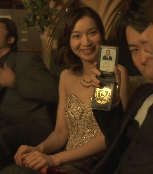 芹那 キャバ嬢役でフジテレビのドラマにエロ衣装で出てたキャプ・エロ画像4