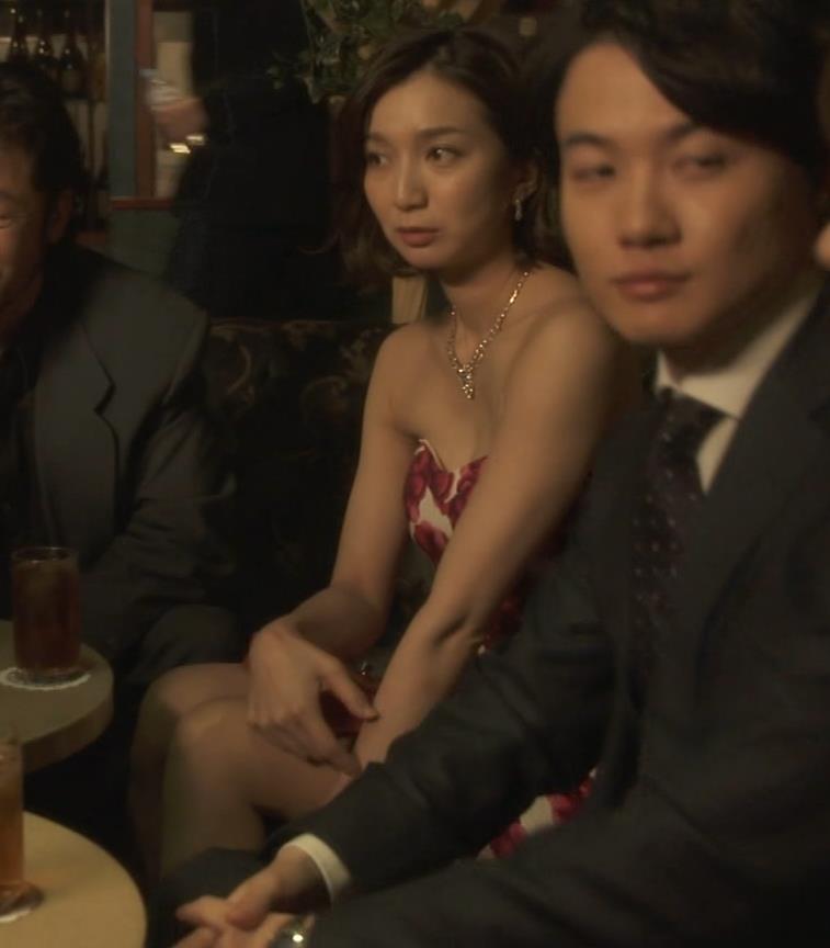 芹那 キャバ嬢役でフジテレビのドラマにエロ衣装で出てたキャプ・エロ画像9