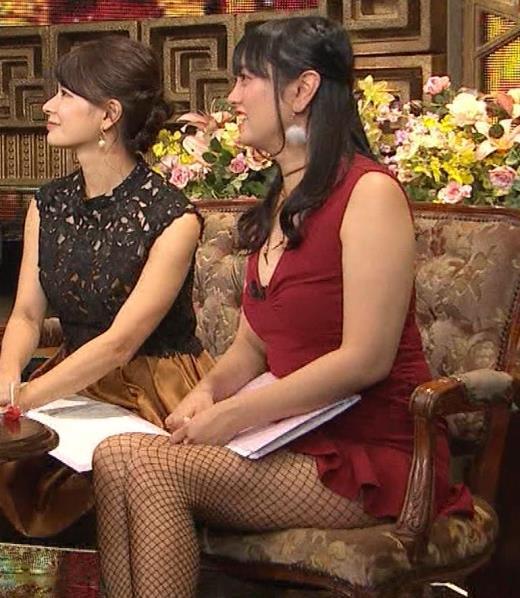 脊山麻理子 お尻まで見えてそうな網タイツキャプ画像(エロ・アイコラ画像)