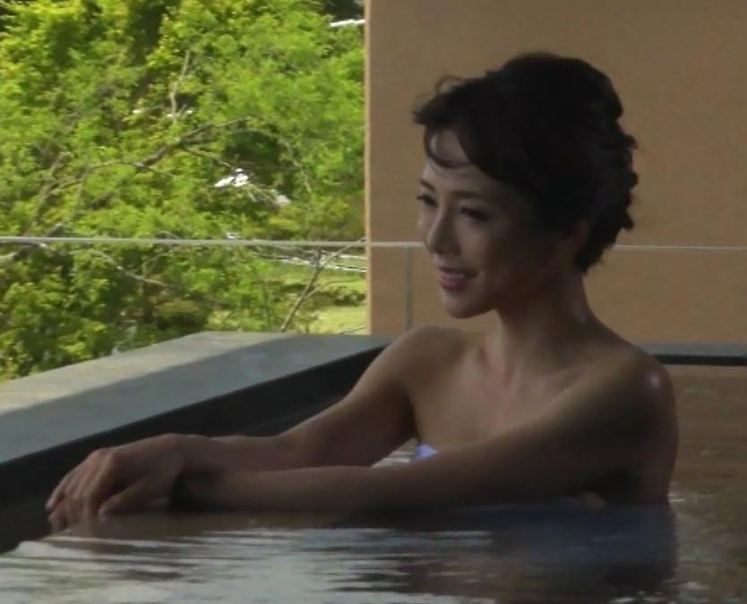 釈由美子 まだまだエロい温泉入浴シーンキャプ・エロ画像6