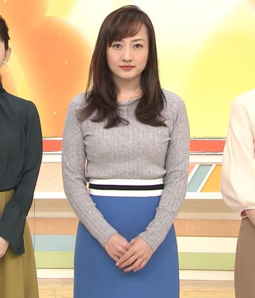 島本真衣アナ ニット巨乳キャプ・エロ画像2