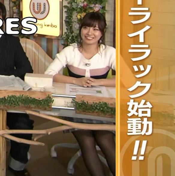 柴田阿弥 あざとそうな上目遣いと黒ストッキング&ミニスカキャプ・エロ画像4