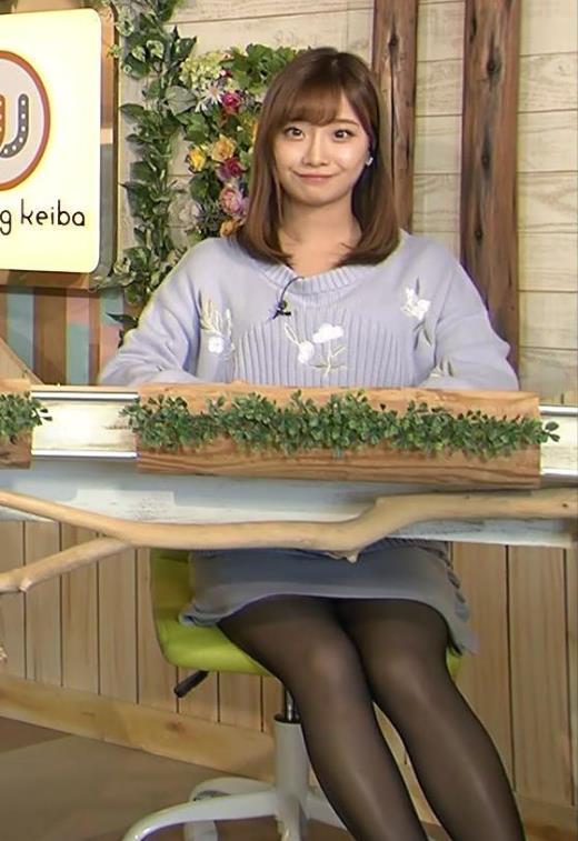 柴田阿弥 ミニスカート短すぎるだろ!黒ストッキングがエロ過ぎキャプ画像(エロ・アイコラ画像)