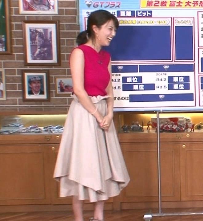 渋谷飛鳥 ノースリブニットのデカ乳キャプ・エロ画像3