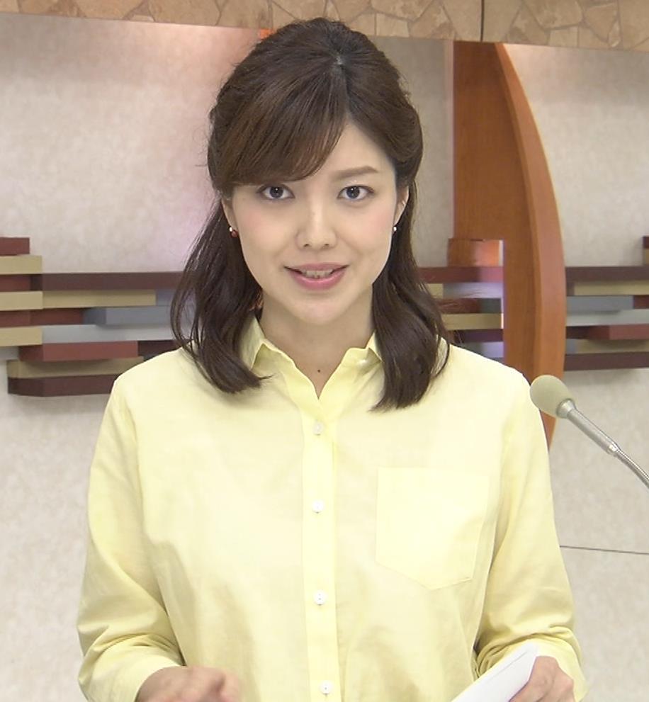 四位知加子アナ 縦縞で胸のラインがエロい服などキャプ・エロ画像4