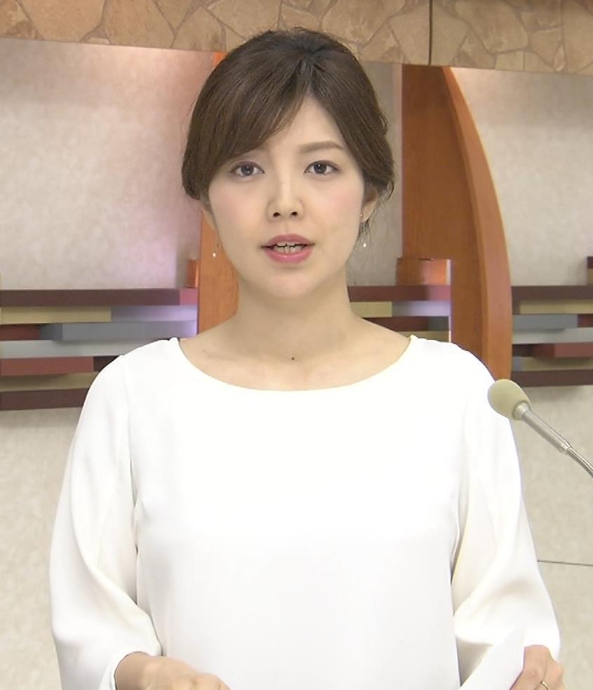 四位知加子アナ 縦縞で胸のラインがエロい服などキャプ・エロ画像5