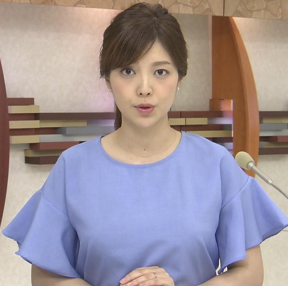 四位知加子アナ 縦縞で胸のラインがエロい服などキャプ・エロ画像8