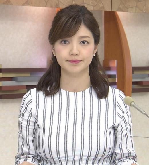 四位知加子 縦縞で胸のラインがエロい服などキャプ画像(エロ・アイコラ画像)