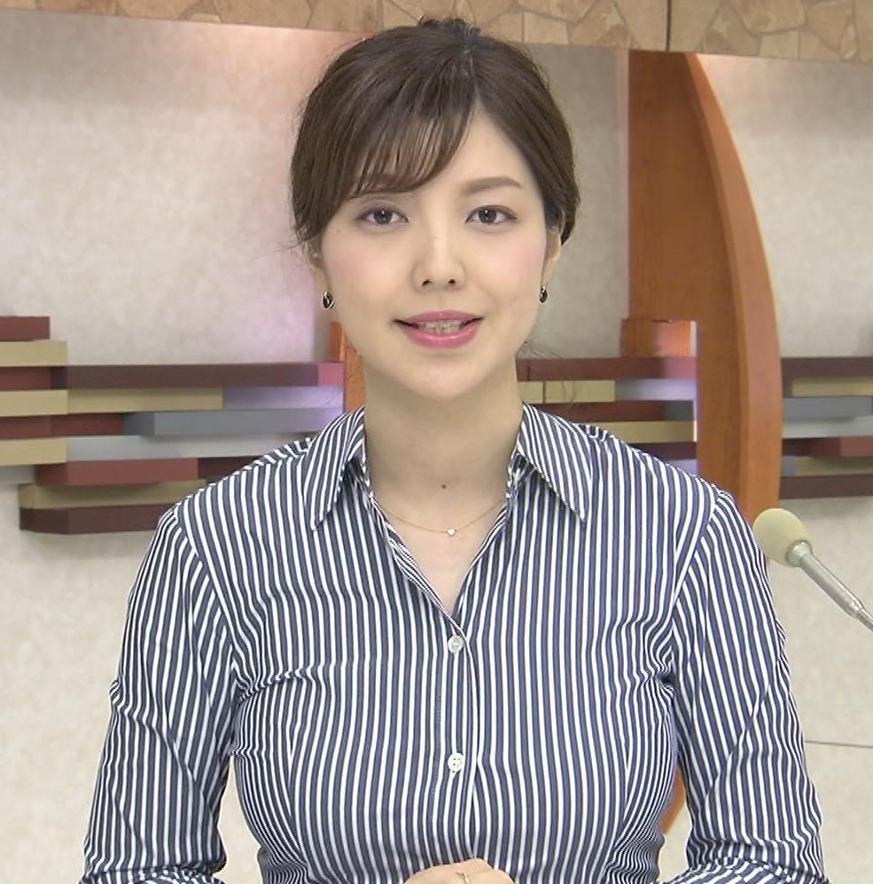 四位知加子アナ 縦じまシャツでパツパツおっぱいがエロ過ぎのローカル美人アナキャプ・エロ画像2