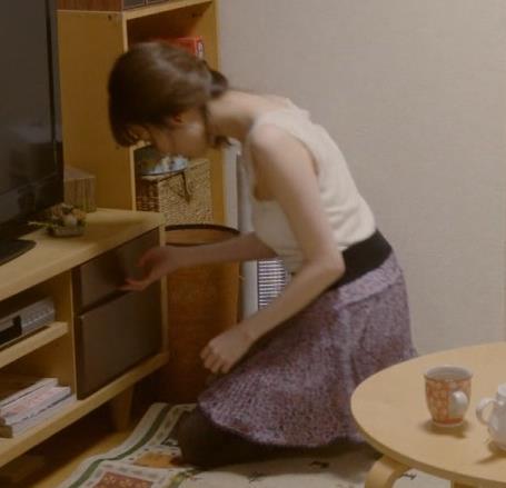 島崎遥香 セクシーな下着おっぱいキャプ・エロ画像9