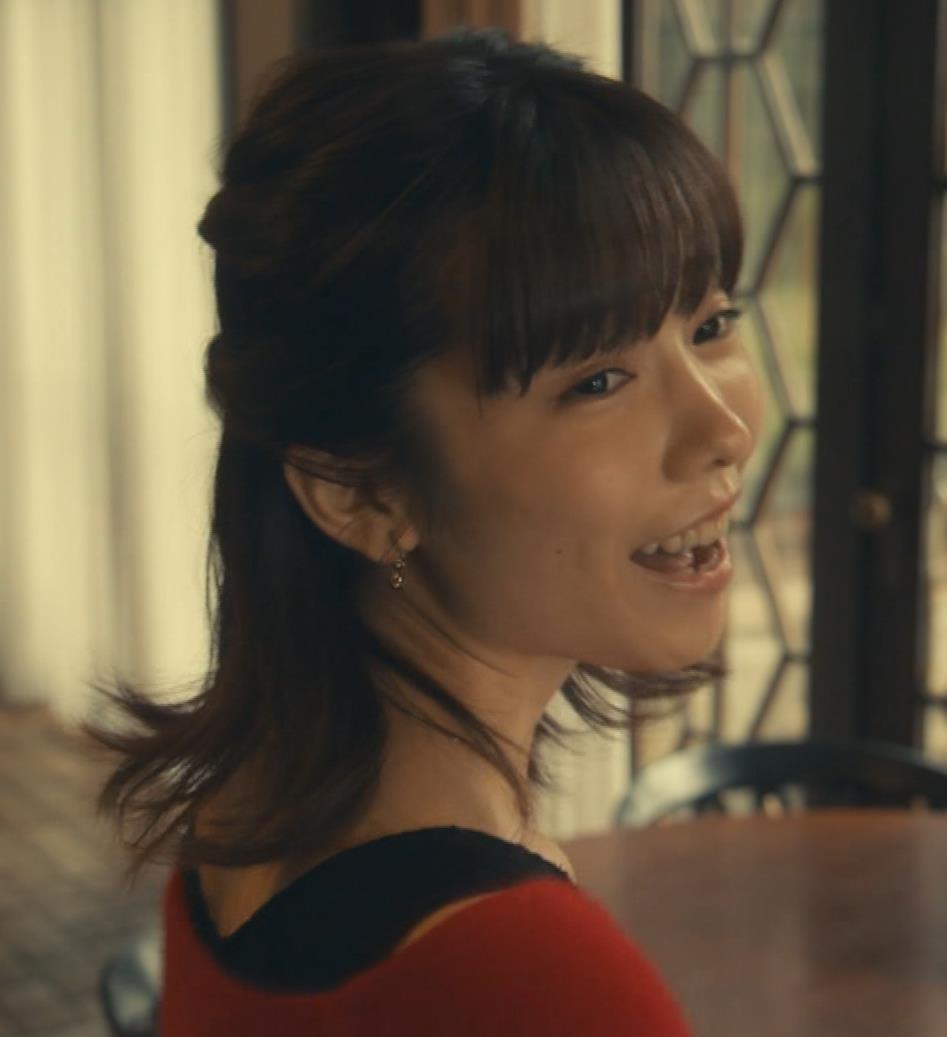 島崎遥香 ドラマで太ももチラキャプ・エロ画像14