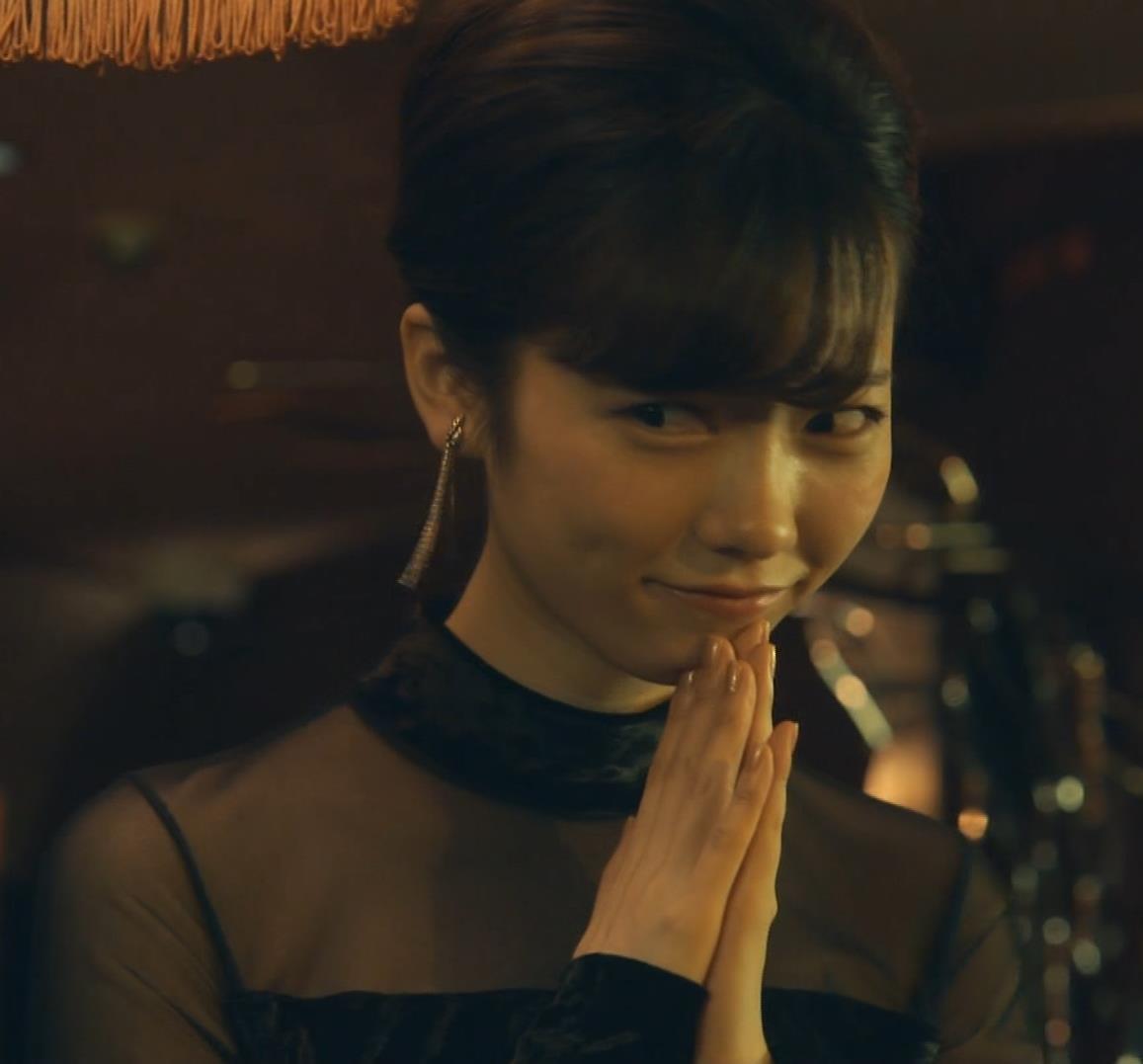 島崎遥香 ドラマで太ももチラキャプ・エロ画像6