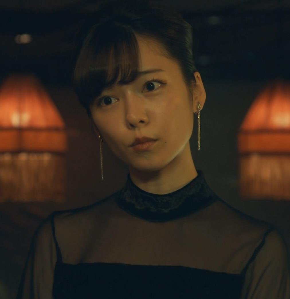 島崎遥香 ドラマで太ももチラキャプ・エロ画像7