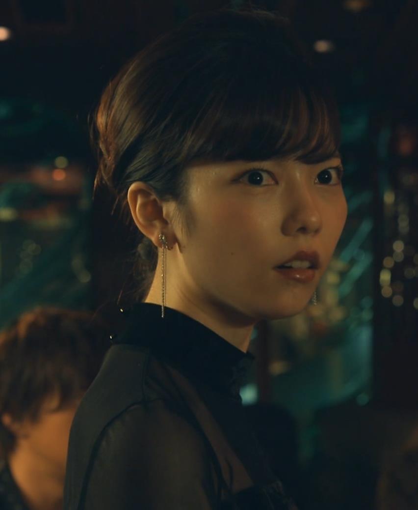 島崎遥香 ドラマで太ももチラキャプ・エロ画像8