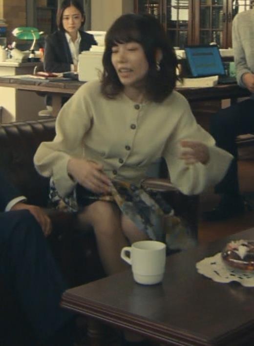 島崎遥香 ドラマで太ももチラキャプ画像(エロ・アイコラ画像)